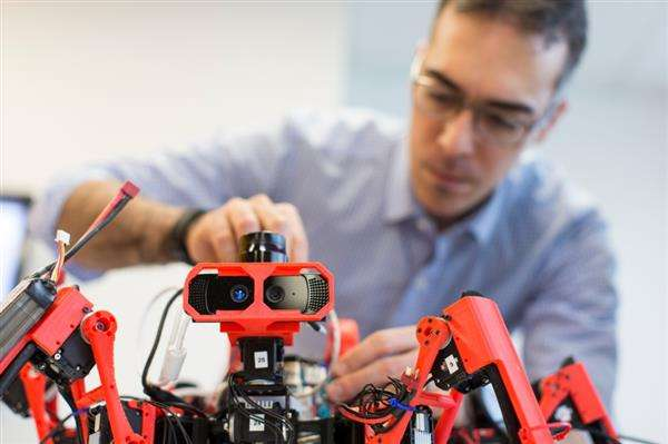 Siemens looks into spider-bots for collaborative additive manufacturing
