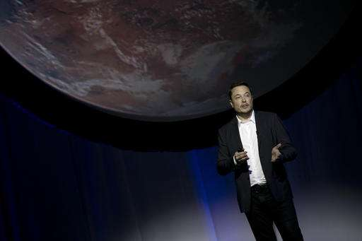SpaceX chief envisions 1,000 passenger ships flying to Mars