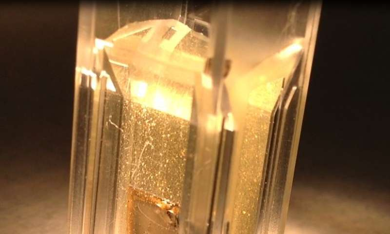 Scientists using sunlight, water to produce renewable hydrogen power
