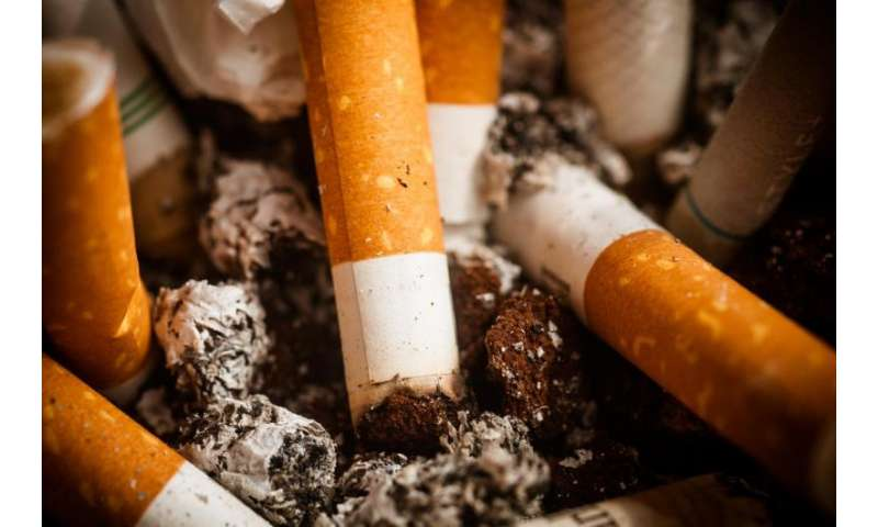 Researchers urge arthritis patients to give up smoking to help them live longer
