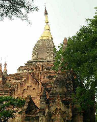 Quake damages scores of Myanmar's heritage Bagan temples