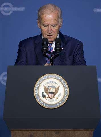 Biden threatens funding cut if cancer trials conceal results (Update)
