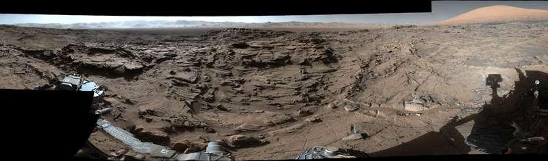 Curiosity Mars rover crosses rugged plateau
