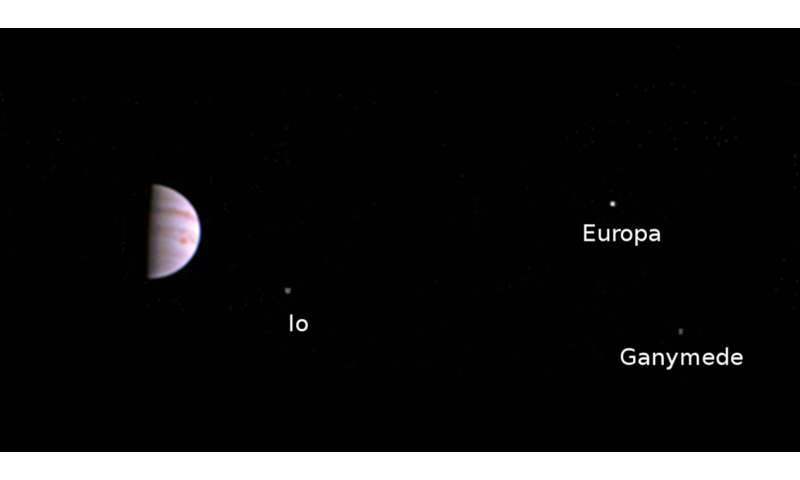 Juno spacecraft sends first in-orbit view
