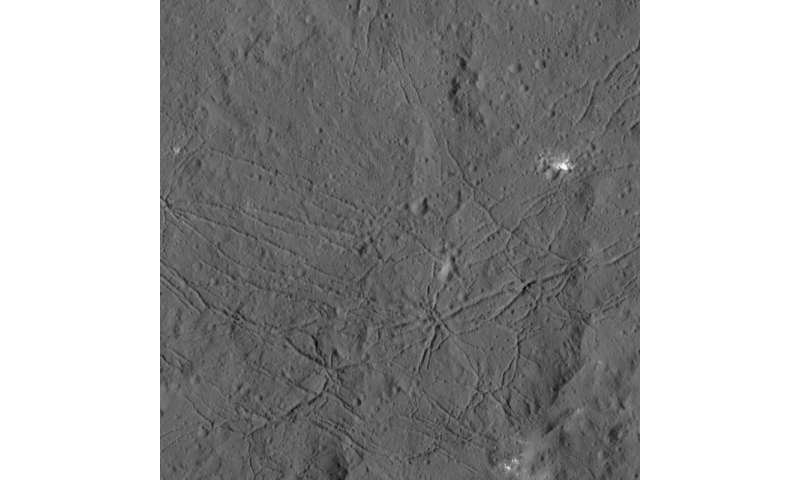 New details on Ceres seen in Dawn images