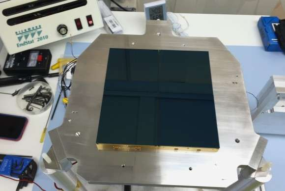 New lenses to help in the hunt for dark energy