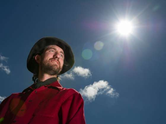 Physicist develops new model for speed and motion of solar flares
