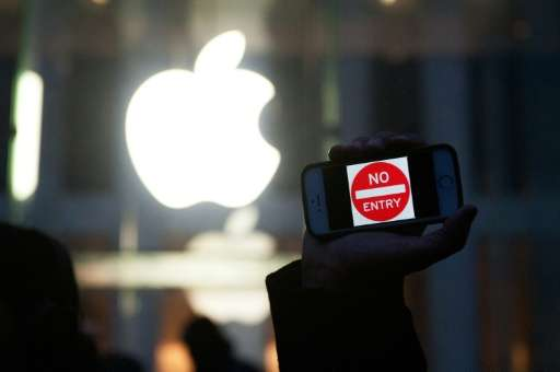 The US government and Apple will face off in court on Tuesday in a closely-watched case that could have wide-reaching implicatio