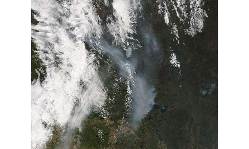 Fort McMurray wildfire continues to burn