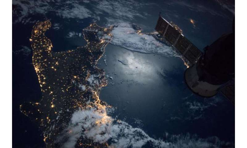 Image: Space station flight over the southern tip of Italy