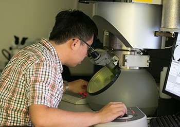 New electron microscope expands materials characterization capabilities at Laboratory