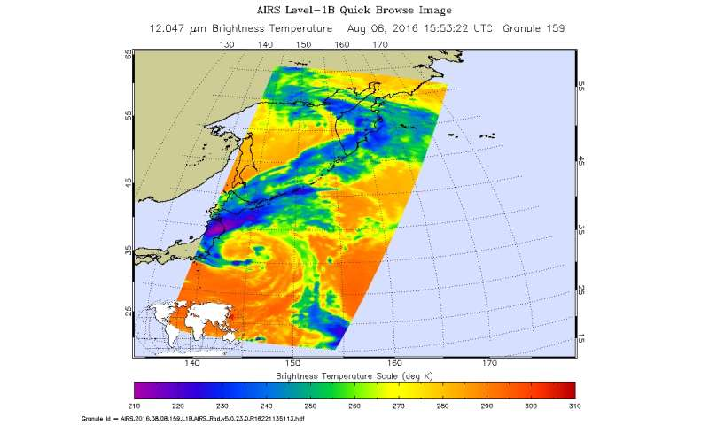 NASA sees Tropical Storm Omais weakening near Japan