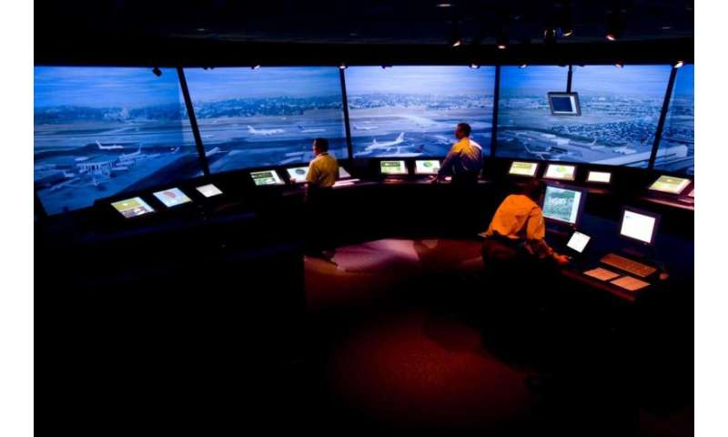 360-degree airport simulator tests the future of air traffic control