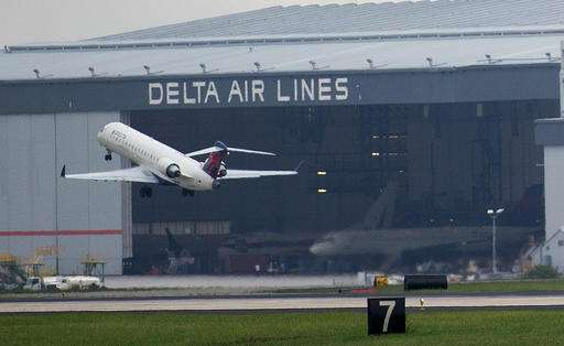 Delta resumes some service after hours of global outage