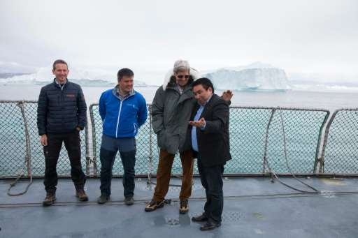 US Secretary of State John Kerry(2ndR), Danish Foreign Minister Kristian Jensen (L) and Greenland Foreign Minister Vittus Qujauk