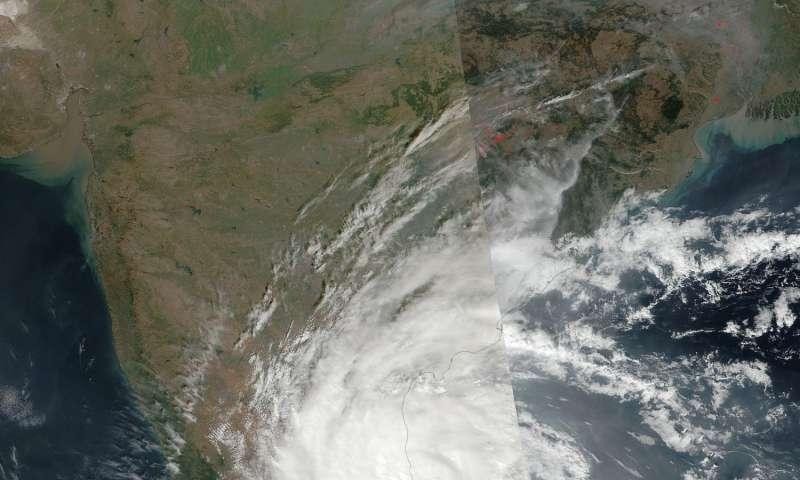 NASA sees tropical Cyclone Vardah make landfall