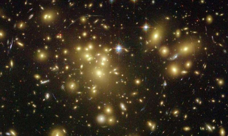 Star formation in distant galaxy clusters