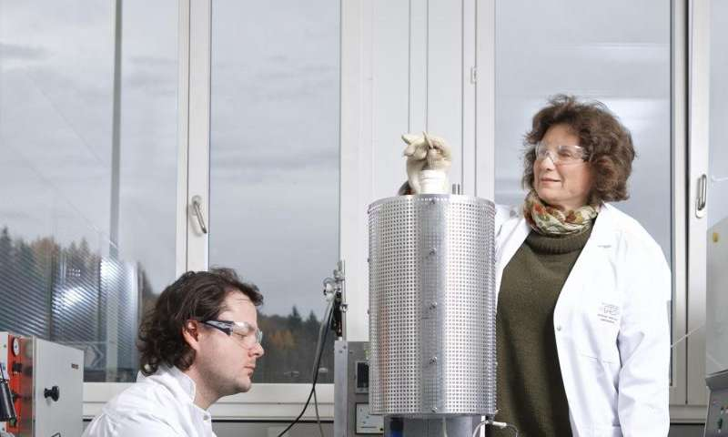 New data storage material retains its special magnetic properties even at room temperature