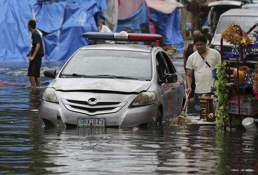 Typhoon leaves one dead, messes up Christmas in Philippines