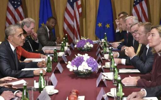 US President Barack Obama (L) meets with European Council President Donald Tusk (3rdR), European Commission President Jean-Claud