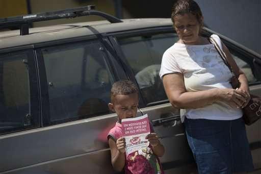 Brazil troops battle Zika mosquitoes