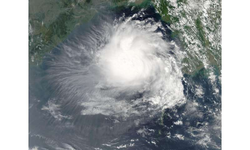 NASA's Aqua satellite sees Tropical Cyclone 3B developing in Bay of Bengal