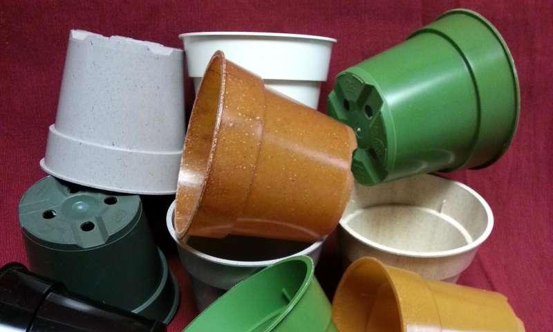 Scientists explore environmental advantages of horticultural bioplastics
