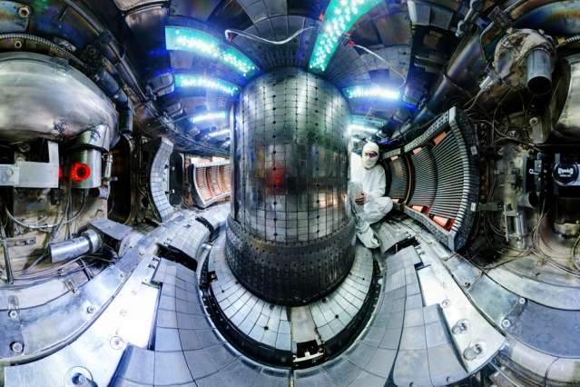 Alcator C-Mod tokamak nuclear fusion reactor sets world record on final day of operation