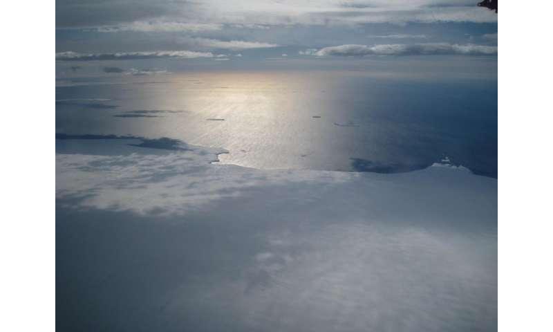 Antarctic coastline images reveal 4 decades of ice loss to ocean
