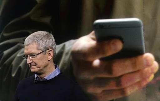 Apple reports iPhone sales down, 1st revenue drop since 2003