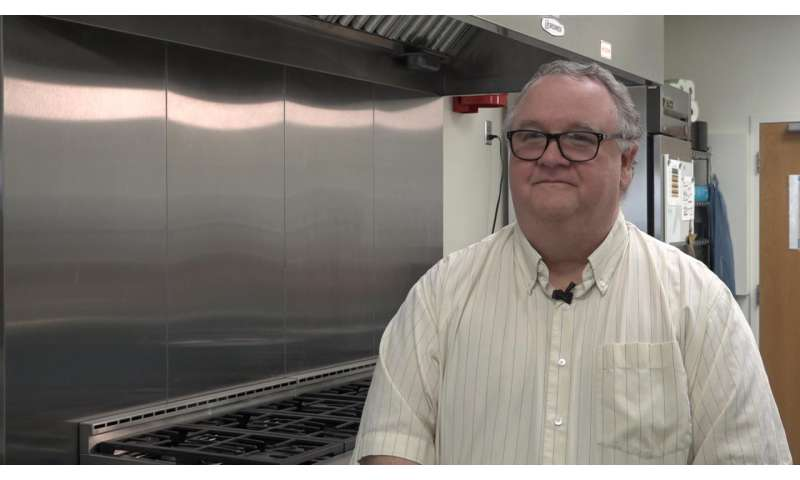Celebrity chefs have poor food safety practices, a Kansas State University study finds