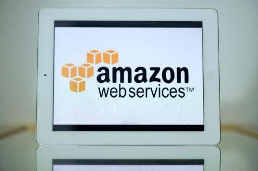 Cloud computing rivals VMware and Amazon Web Services have announced an alliance that will let them play off each other's streng