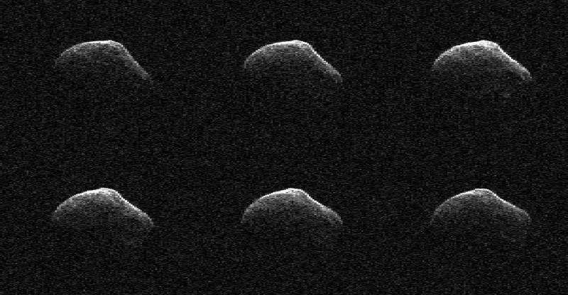 Comet flying by Earth observed with radar and infrared