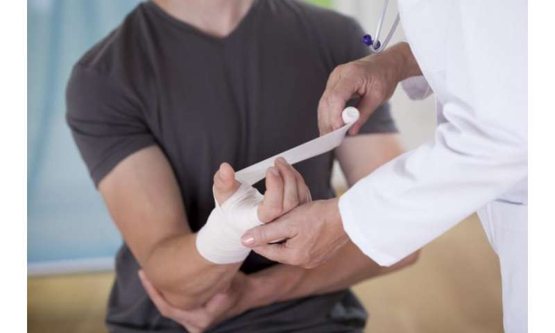 Enzyme involved in glucose metabolism promotes wound healing, study finds