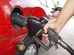 Green still a dream, petrol tipped to drive Australian car market in 2030