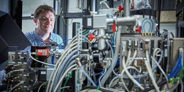 How drug-resistant bacteria build defences