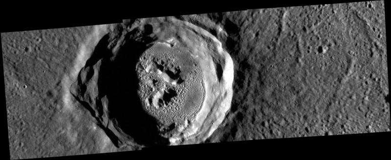 Image: Mercury's Kertész crater