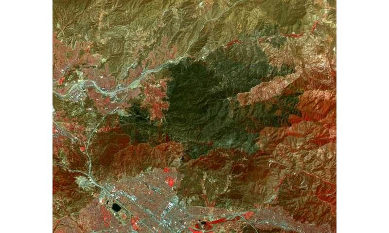 Image: NASA spacecraft views huge burn area in L.A.'s backyard