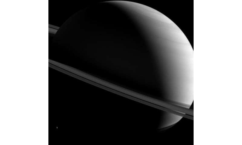 Image: Saturn askew