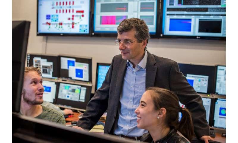 Laser R&D focuses on next-gen particle collider