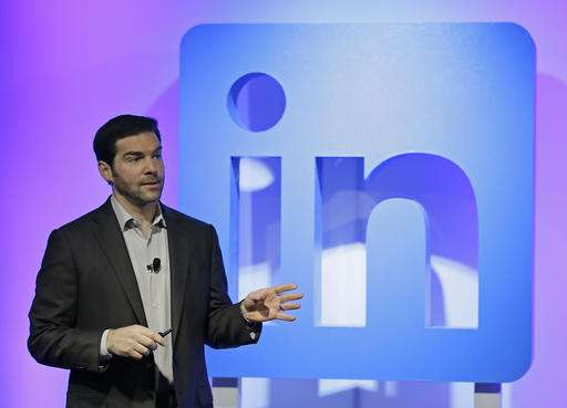 LinkedIn adding new training features, news feeds and 'bots'