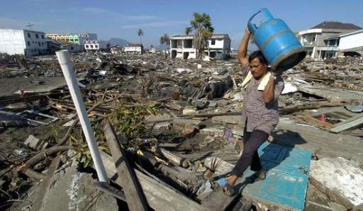 Many of the largest earthquakes, including the December 26, 2004 quake in Sumatra, occurred during periods when the pull of the