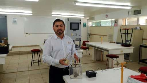 Mexican engineer Gabriel Luna-Sandoval has invented a machine that he said can transform urine into a biogas to serve as a house