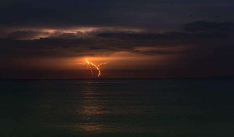 Mystery of powerful lightning at sea not solved completely