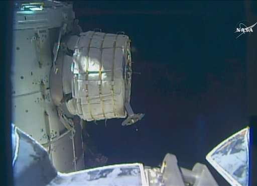 NASA hits snag while inflating new room at space station