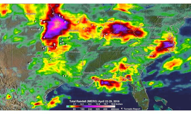 NASA's IMERG analyzes severe weather in Tornado Alley and eastward