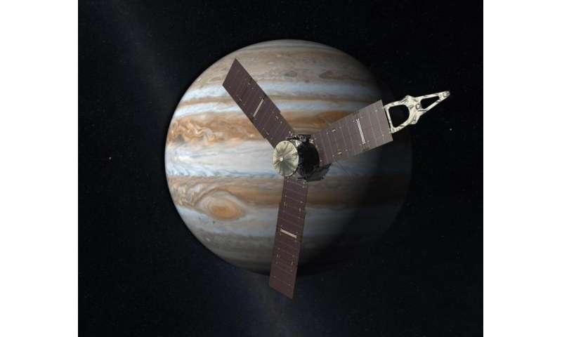 NASA's Juno spacecraft breaks solar power distance record