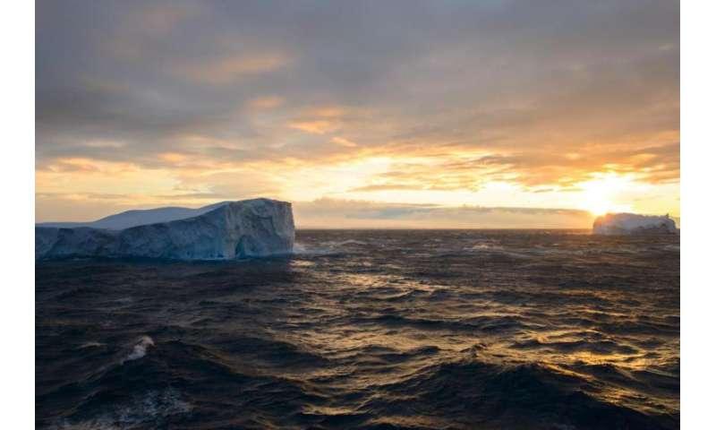 NASA takes part in airborne study of Antarctic seas