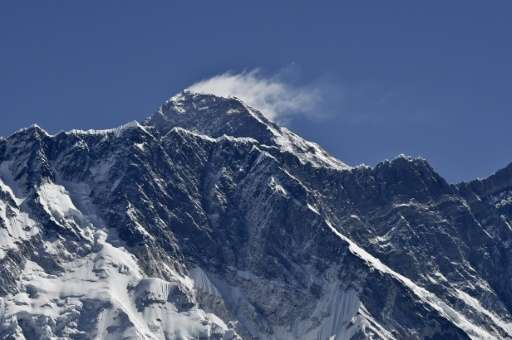Nepali soldiers have kicked off efforts to partially drain a giant glacial lake near Mount Everest, fearing possible flooding