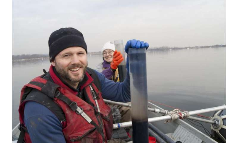 New York harbor's oyster beds once protected against severe storm and extreme wave damage